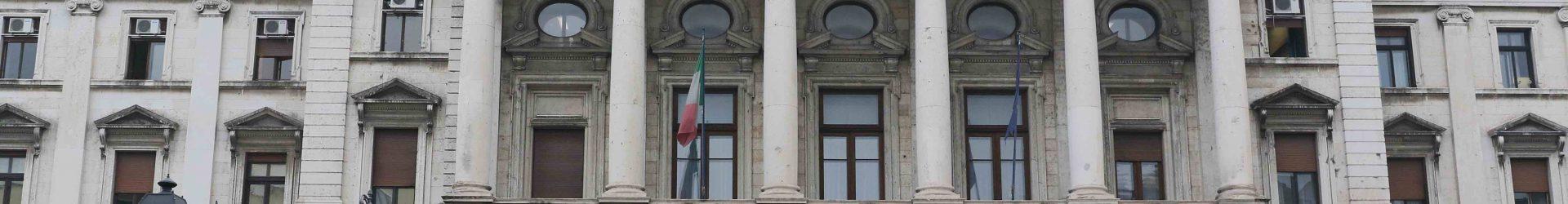 COSA CAPITA IN ITALIA AI CITTADINI CHE SI APPELLANO ALLA LEGALITÀ